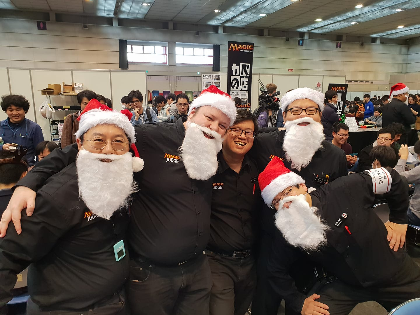 Grand Melee Chaos Tournament Pack Anaconda Draft at GP Shizuoka 2018 - Judges in Santa beards and hats rocking out their December event